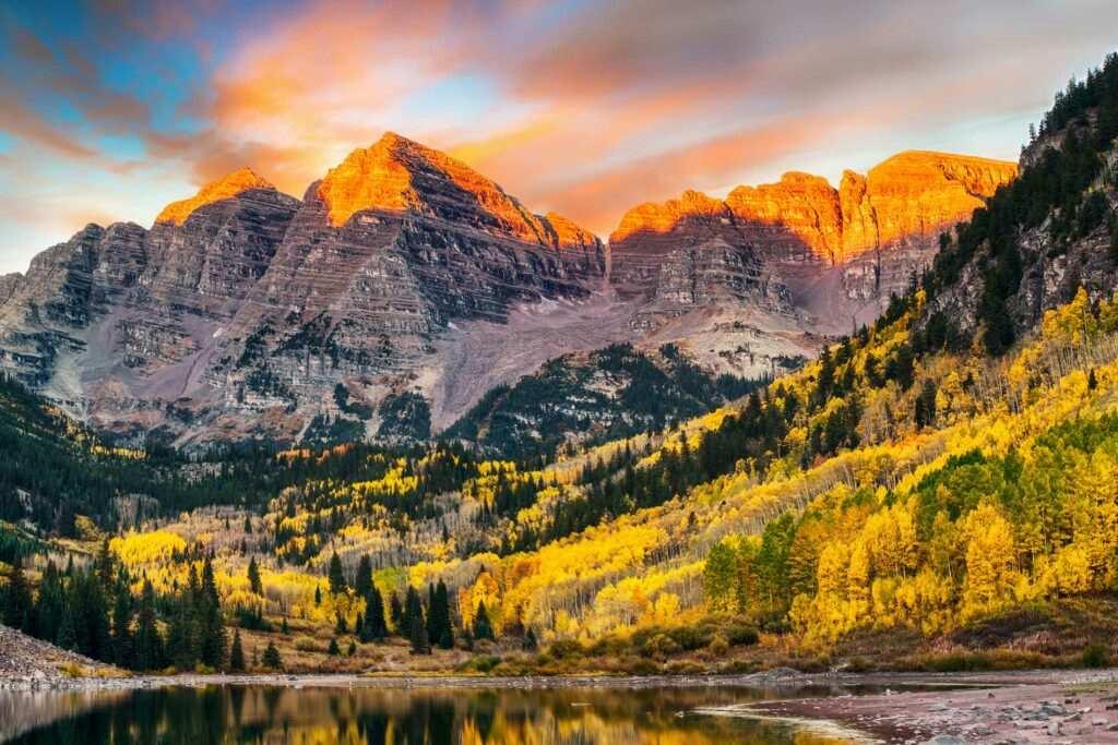 Colorado hiking in Maroon Bells