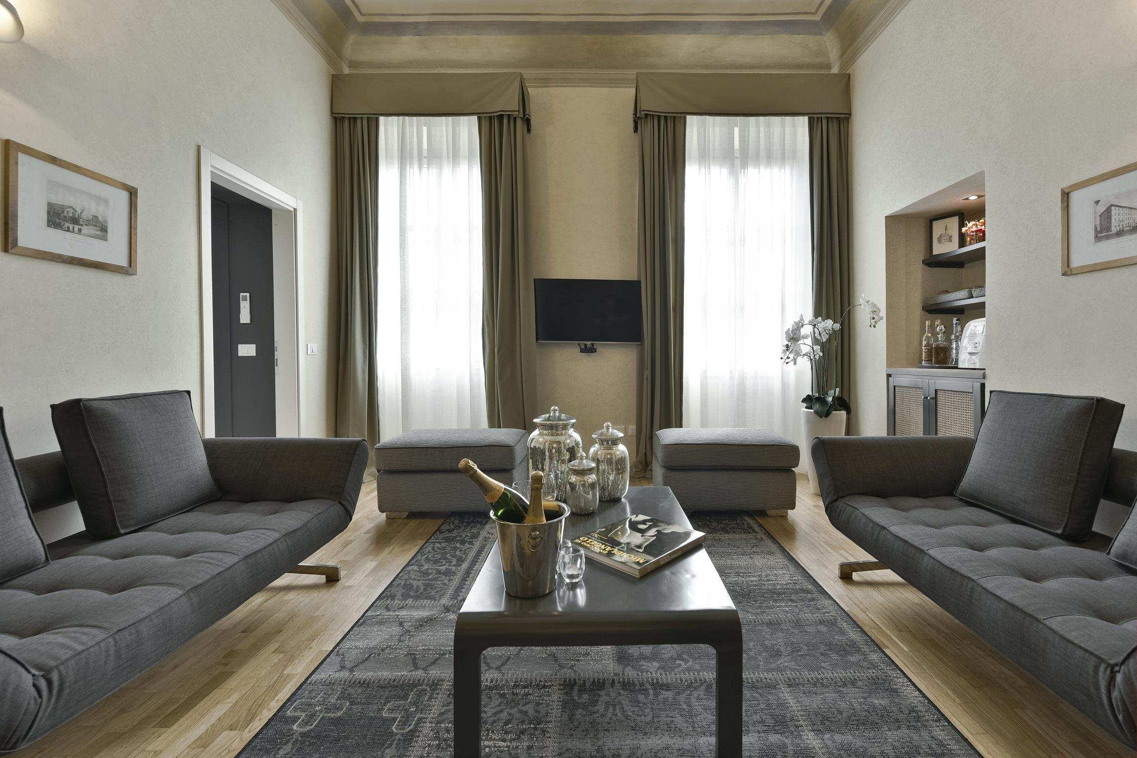 florence estate rental