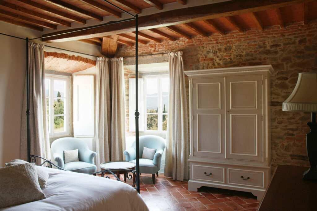 villa laura cortona airbnb
