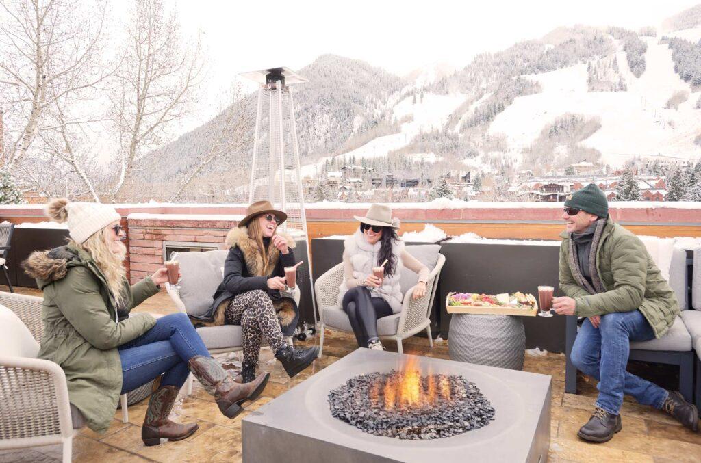 colorado skiing towns
