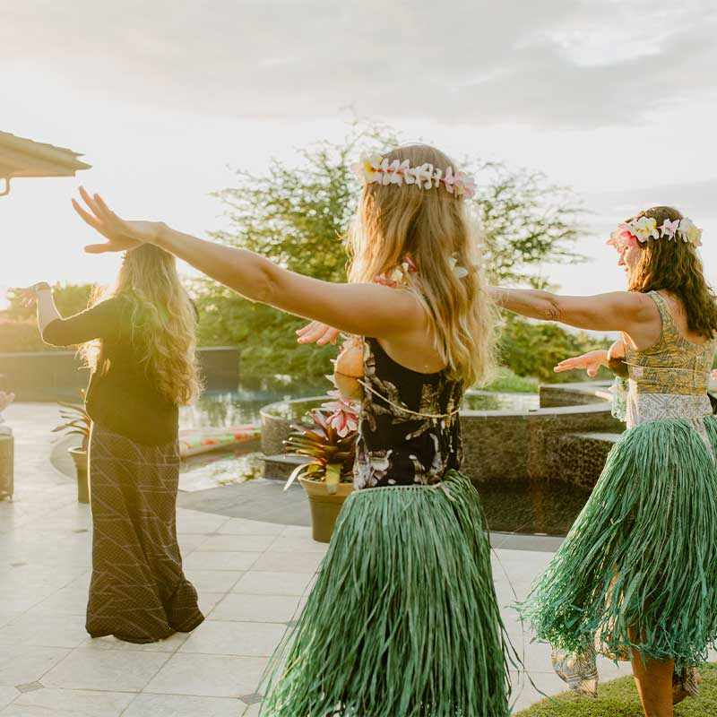 Hawaiian hula experiences