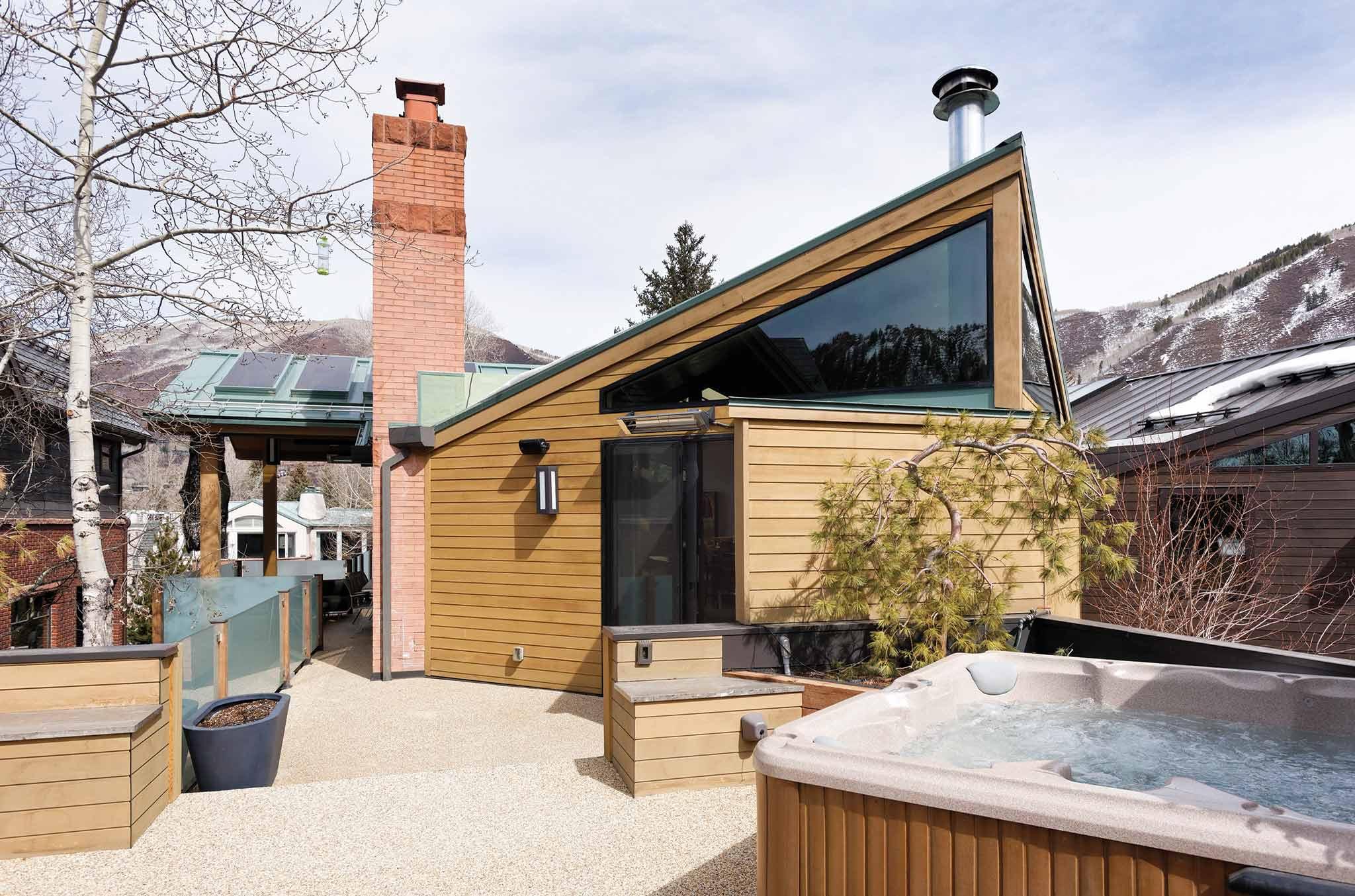Double Diamond Chalet hot tub on outdoor terrace in Aspen luxury rental
