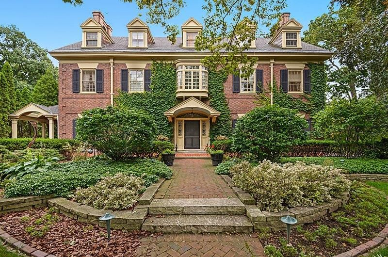 mansion on North Lake Drive