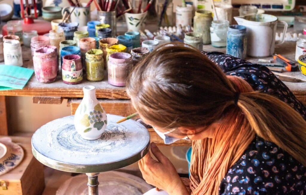 ceramicist in tuscany